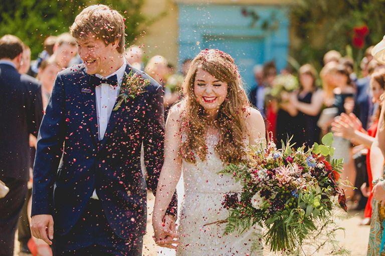 confetti wedding photos