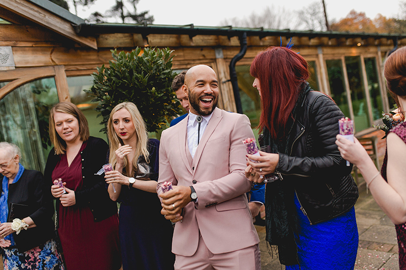 guests wait to throw confetti