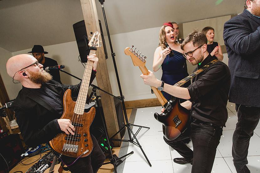 band play at wedding